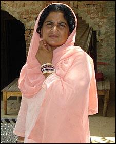Tante Amreen, Syeda